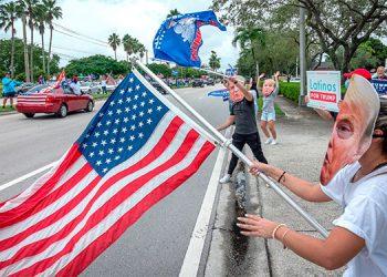 Caravana de apoyo a reelección de Trump reúne a miles de partidarios en Miami