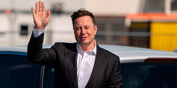 Elon Musk promete una nueva batería para Tesla con más capacidad y alcance