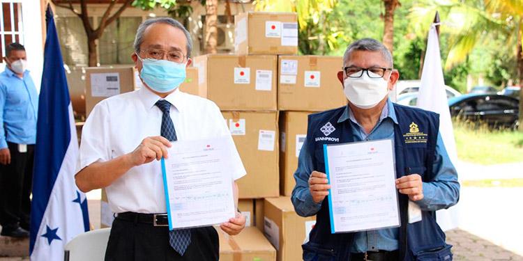 Japón entrega el primer lote de equipo para combatir la pandemia
