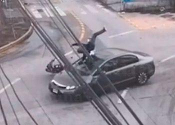 Cámaras del 911 captan imprudencia de motociclista en Tegucigalpa