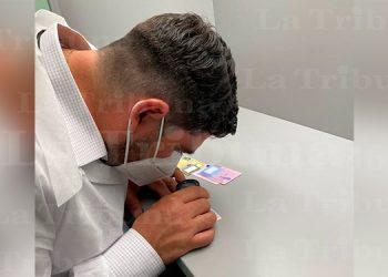 Rolando Kattán inspecciona emisión de las nuevas tarjetas de identidad