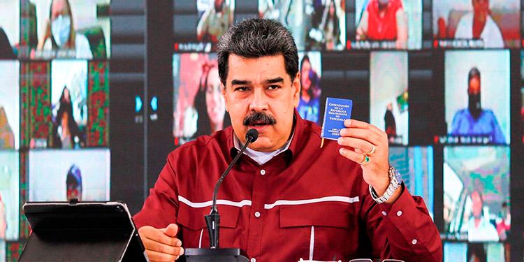 Maduro insta a la UE a enviar una 'comisión' que observe las legislativas 'en privado'