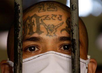 Allanan cárceles salvadoreñas por presunto pacto entre el Gobierno y MS13