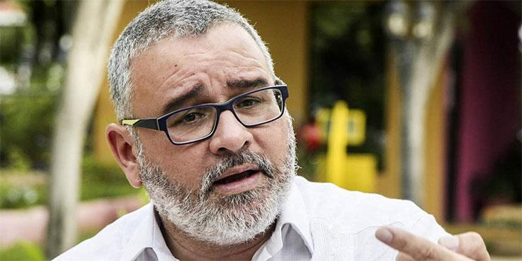 Ordenan arrestar a expresidente salvadoreño Funes por tregua con pandillas