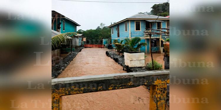 Nana deja inundaciones y daños leves en Honduras