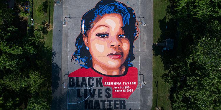 Millonaria indemnización por muerte de mujer negra a manos de Policía en EEUU