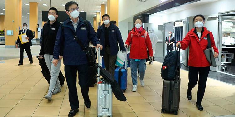 Llega a Perú la vacuna china para iniciar un ensayo con 6 mil voluntarios