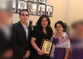 Docente e investigadora recibe el 'Premio Rafael Heliodoro Valle 2020'