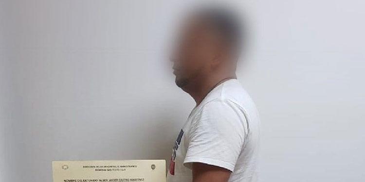 Detención judicial contra hombre que llevaba $15 mil