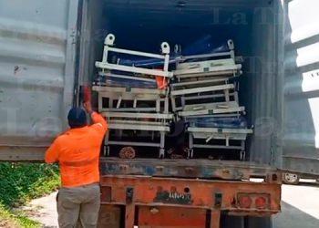 Llegan a Roatán 50 camas para pacientes COVID-19