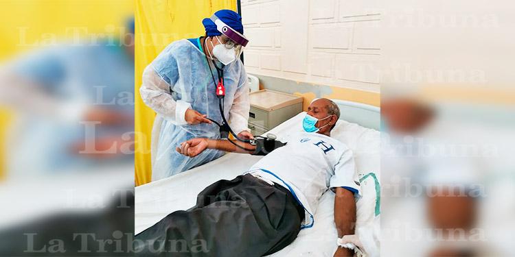 La mayoría de las personas infectadas con coronavirus muestra síntomas