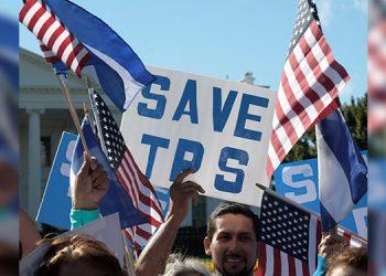 Tribunal de EEUU da 'luz verde' para suspender TPS a miles de migrantes
