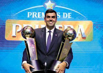 FIFA veta de por vida a presidente de Olimpia por amaño