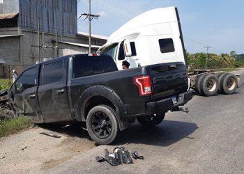 En el estrepitoso percance se vieron involucrados cuatro vehículos livianos y pesados.