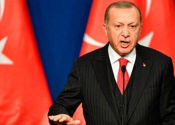 Presidente turco Erdogan llama 'canallas' a Charlie Hebdo por haberlo caricaturizado