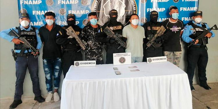 """Caen cuatro cobradores del """"impuesto de guerra"""""""