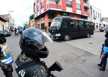 Los empleados del rubro transporte son atacados constantemente por extorsionadores, útilmente por damas al servicio de la pandilla.