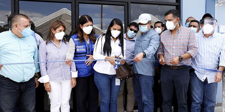 El Presidente Juan Orlando Hernández inauguró el Hospital de Siguatepeque junto a autoridades edilicias, de Salud y de la OPS.