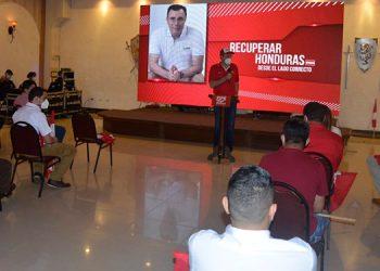Se hizo oficial la precandidatura a la alcaldía de Danlí a Felipe Castillo.