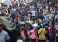 La aglomeración de personas en los mercados de Comayagüela sigue siendo un factor de alto riesgo de contagio del virus.