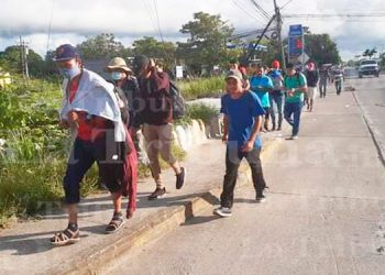 Al menos 300 migrantes hondureños ingresaron a Guatemala