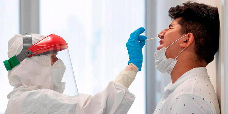 Según el Colegio de Microbiólogos en Honduras se mantiene una positividad entre el 40 y 50 por ciento en los casos de COVID-19.