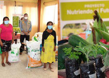 Las mujeres son capacitadas en la buena siembra de varios productos agrícolas.