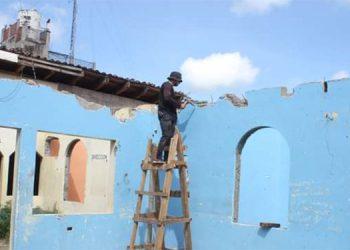 """Se ejecuta la reconstrucción del antiguo edificio """"José Santos Guardiola""""."""