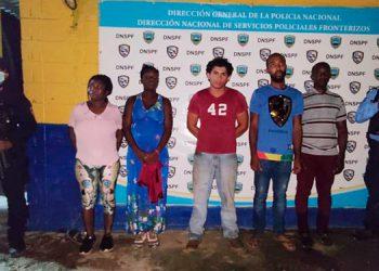 Los haitianos fueron remitidos ante las autoridades del Instituto Nacional de Migración (INM).