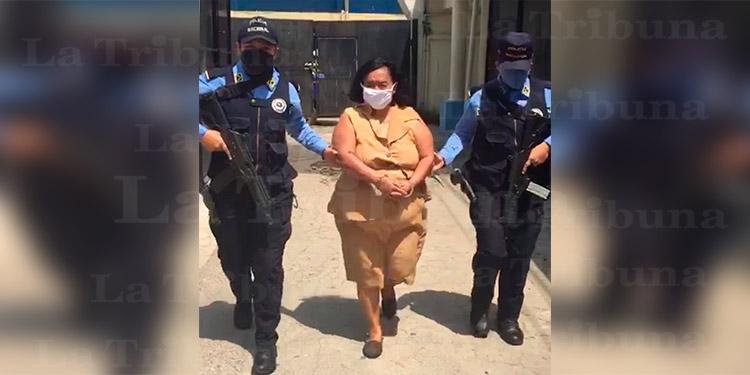 Cae 'abuela' por tentativa de homicidio; evadió la justicia durante 20 años
