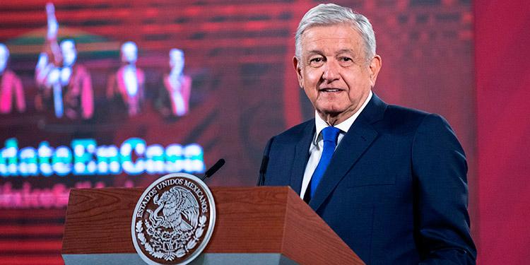 López Obrador considera 'afortunado' que se disolviera la caravana migrante
