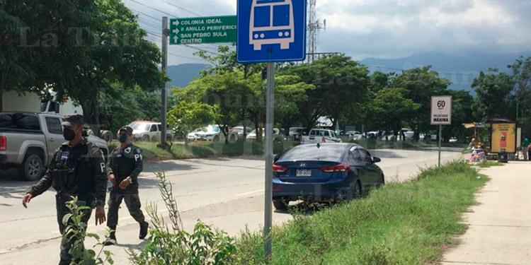 Matan a hombre dentro de vehículo en SPS