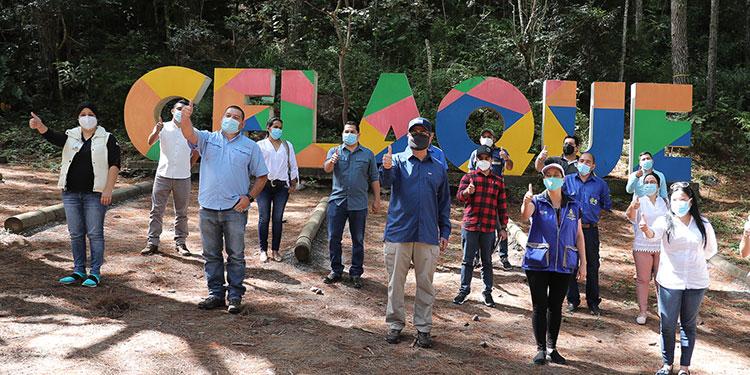 El mandatario promociona el Parque Nacional Celaque, el punto más alto de Honduras.