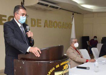 El abogado Fredis Cerrato leyó el pronunciamiento del CAH sobre las ZEDES.