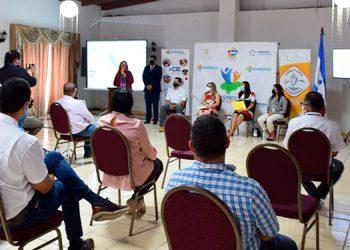 Anuncian capital semilla para 150 productores de guayaba y vegetales orientales