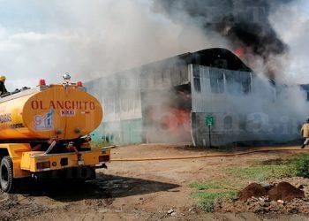 Incendio consume almacén de harina en Sabá, Colón