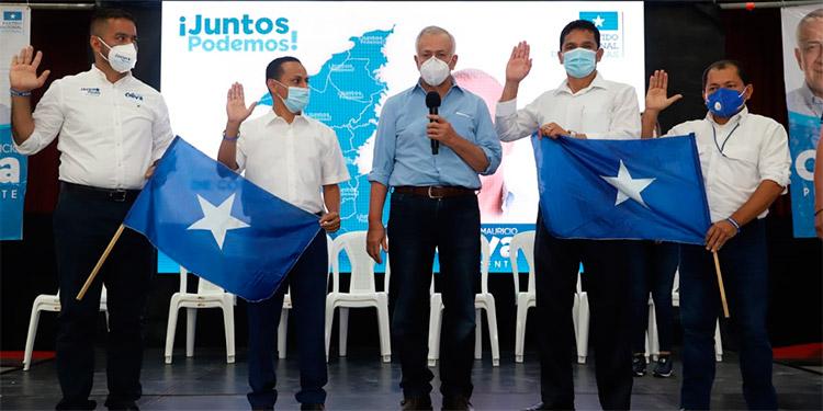 Oliva juramenta precandidatos alcaldes de Cortés