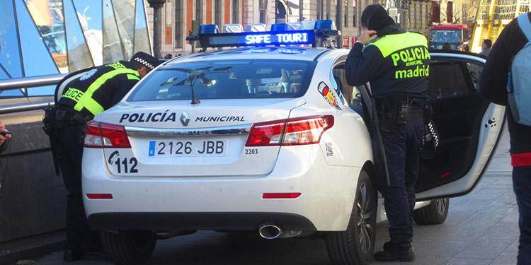Por falsificar documentos a migrantes caen varios hondureños en España