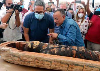 Egipto presume al mundo los 59 sarcófagos con momias intactas