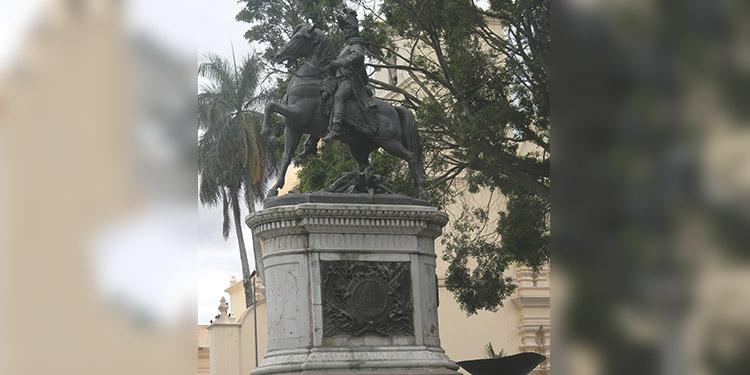En homenaje a Francisco Morazán en la fecha de su nacimiento hoy, Día del Soldado Hondureño