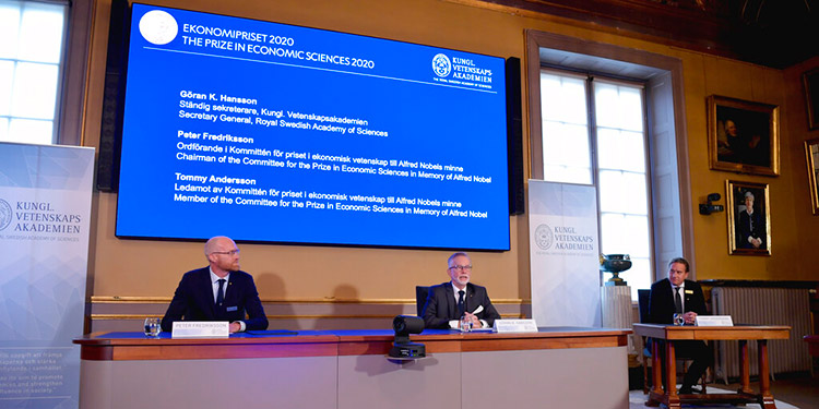 Estadounidenses Milgrom y Wilson ganan el Nobel de economía