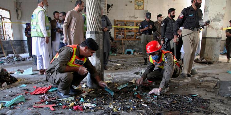 Pakistán: 8 muertos y 136 heridos en el ataque a una escuela
