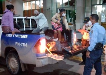 Mujer da a luz dentro de patrulla en Olancho