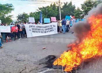 Patronatos se toman carretera a Olancho por la falta de agua