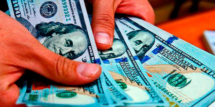 Inmigrantes en EEUU mandan cifras récord en remesas