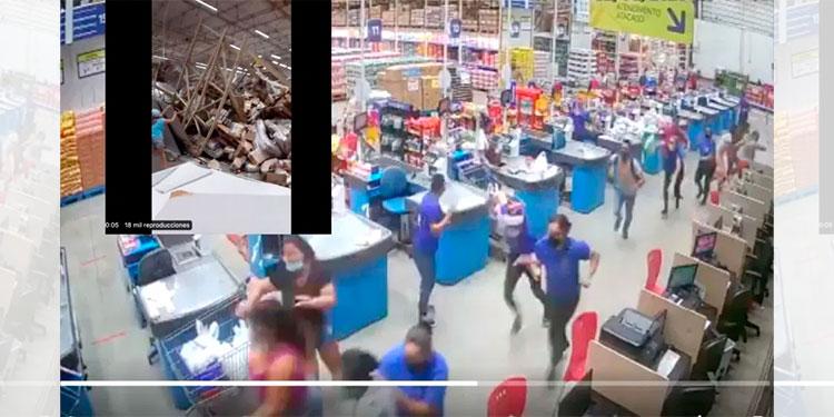 ¡Tragedia! escaparates aplastan a clientes y empleados en supermercado mayorista (Video)