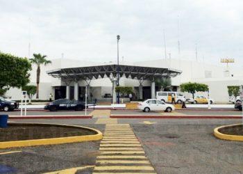 Capturan a dos hondureños con documentos falsos en aeropuerto de México