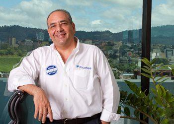 Camilo Atala, presidente del Grupo Financiero Ficohsa.