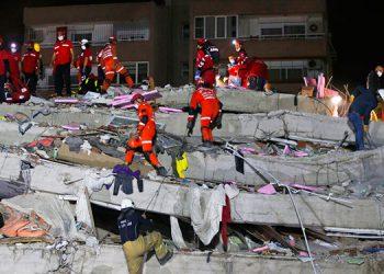 Suben a 28 los muertos en sismo que remeció Turquía y Grecia