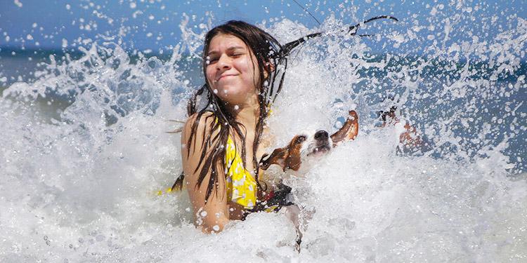 Luego de 7 meses de cuarentena, reabren playas en Venezuela
